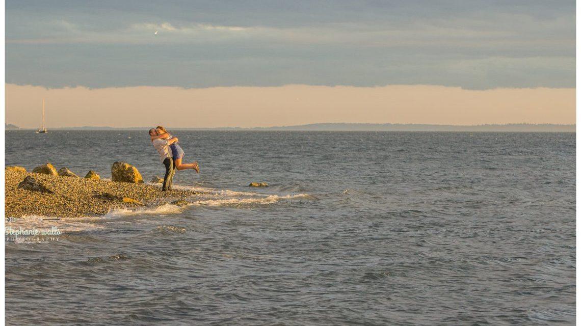 http://mukilteowa.gov/departments/recreation/parks-open-spaces-trails/lighthouse-park/