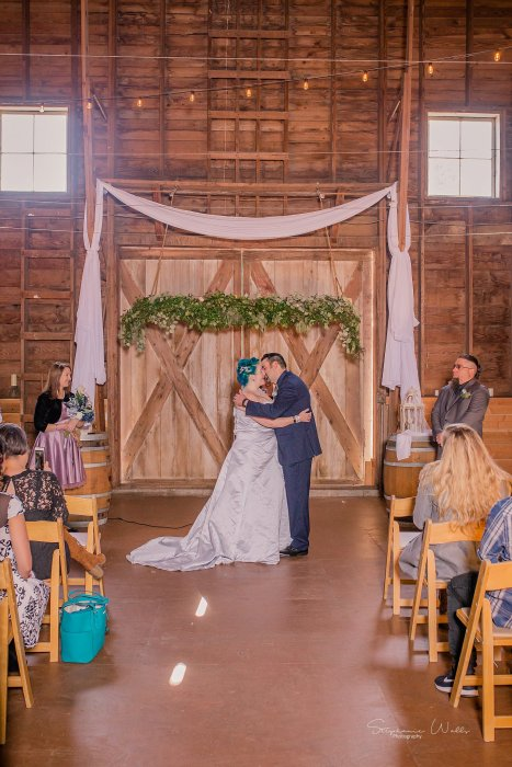 Stephanie Walls Photography 0353 1 467x700 Solstice Barn at Holly Farms Elopement of Ashley and Jordan
