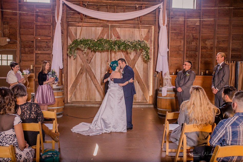 Stephanie Walls Photography 0354 1 950x633 Solstice Barn at Holly Farms Elopement of Ashley and Jordan