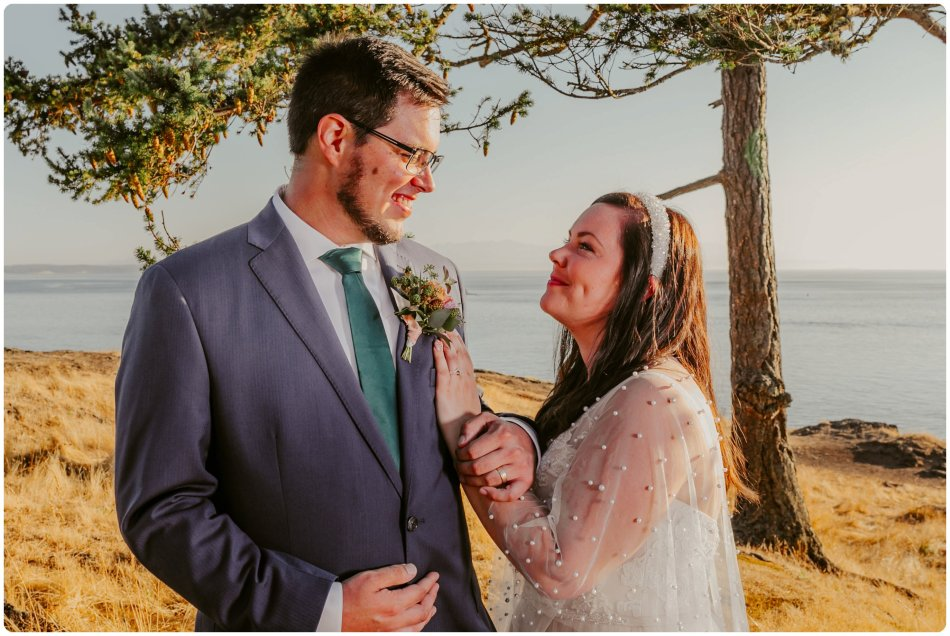 Stephanie Walls Photography 1181 950x636 Summer Deception Pass Elopement at Rosario Beach | Jacinda & Trevor
