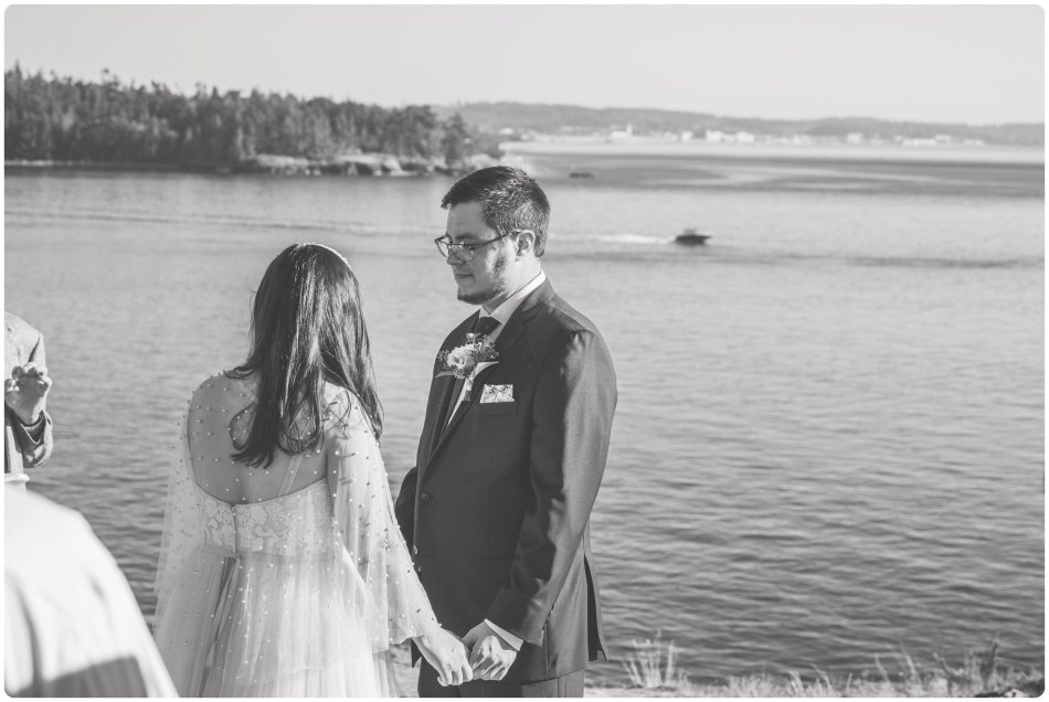 Stephanie Walls Photography 1207 950x636 Summer Deception Pass Elopement at Rosario Beach | Jacinda & Trevor