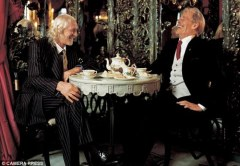 Richard Harris and Peter O'Toole in 1995's Shine at the Top