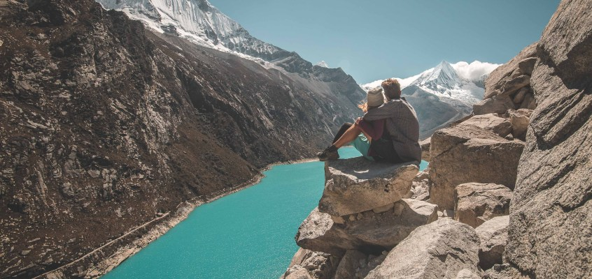 Peru – behind the scenes of blue lagoons and snow capped mountains