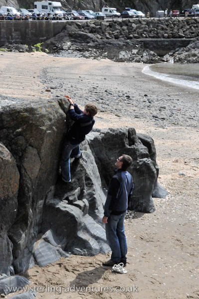 Bouldering on Peel Beach