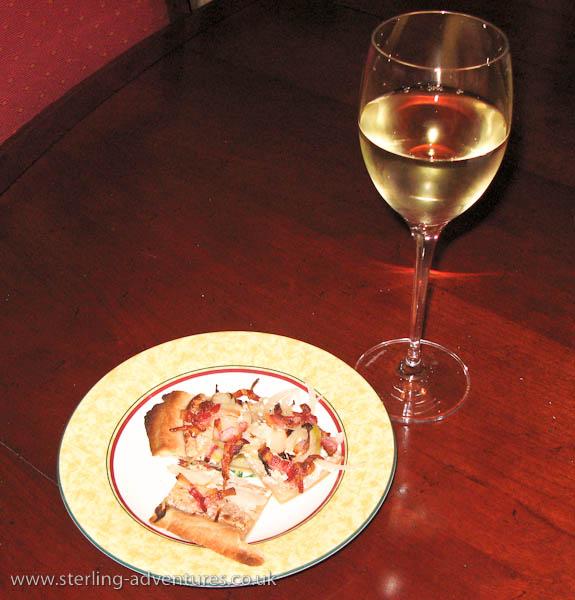 Flammkuchen and white wine -yummy!