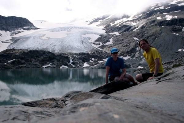 Lac de l'Arpont with the Glacier de l'Arpont behind.