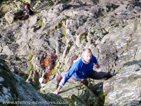 Steve eyeing up the wide crack on Troutdale Pinnacle Superdirect