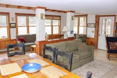 Pond House spacious living area | Sterling Ridge Resort