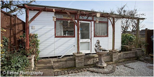 Gouldian Finch Breeding Hut