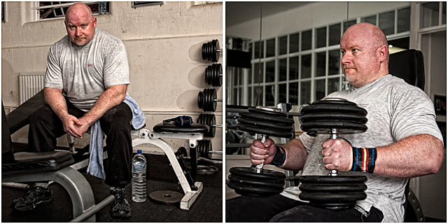 Power Lifter Training Dumbell Curls