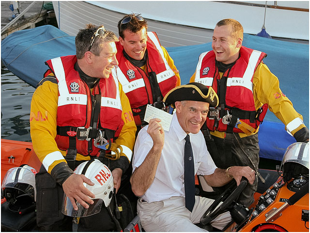 Sailing Enthusiasts Present Cheque To Portsmouth Rnli