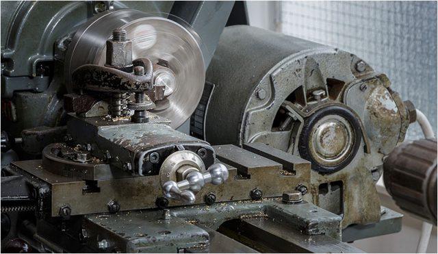 Metal lathe worker 03
