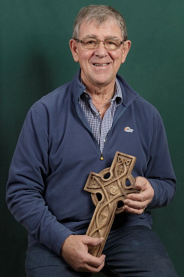 portrait of Doug Phillips a member of the solent guild of woodcarvers and sculptors