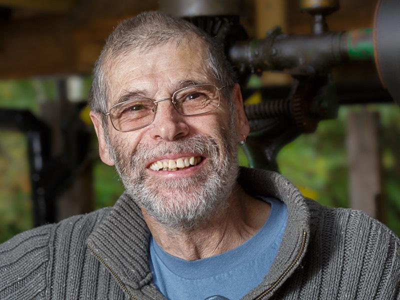 headshot portrait of Les one of the volunteer engineers