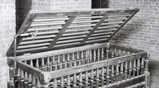 Cribs were used for beds in institutions, with lockable tops often from 3:00 pm to 9:00 am. The cribs were lined with straw.