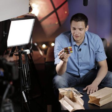 Magician Steven Brundage at Cube3 photo shoot