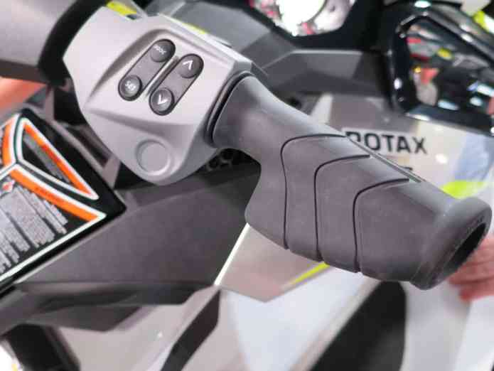 new handle bar grip for seadoo
