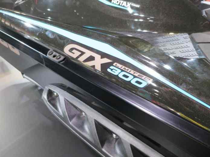 gtx 300 color
