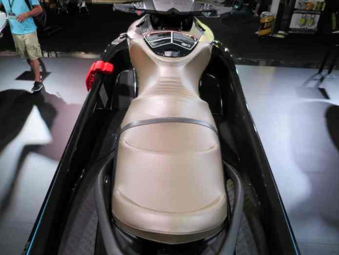 300 hp ergo lock seat
