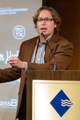 Stever Robbins knocking 'em dead at a conference