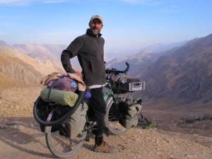 le-col-a-2200-m-avant-la-descente-prodigieuse-vers-howraman-frontiere-iran-irak-kurdistan