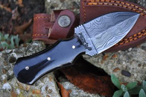 Damascus-steel-knives-hunting-and-collectors-knives-3005