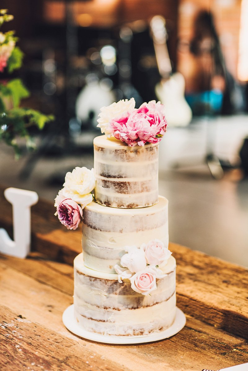 COOMBE YARRA VALLEY MELBA ESTATE WEDDING cake