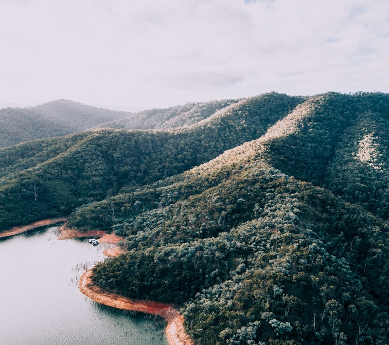 lake eildon drone shots on the houseboat