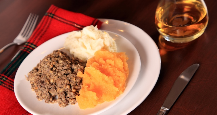 haggis plate scottish food
