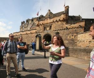 edinburgh castle guide