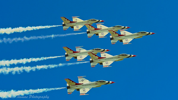 The US Air Force Thunderbirds performing at the Kwik Fill Rochester International Airshow in Rochester, New York on Sunday, August 17, 2014.
