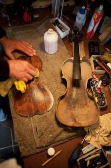 luthier violon artisan bois fabrication instrument musique savoi
