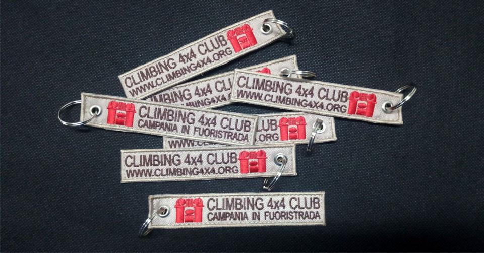 Portachiavi Ricamato Climbing 4×4 Club – Campania in Fuoristrada