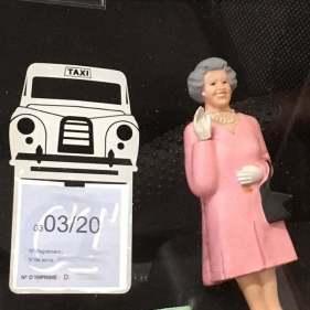 Etui simple porte vignette assurance taxi londonien le Black Cab classique .