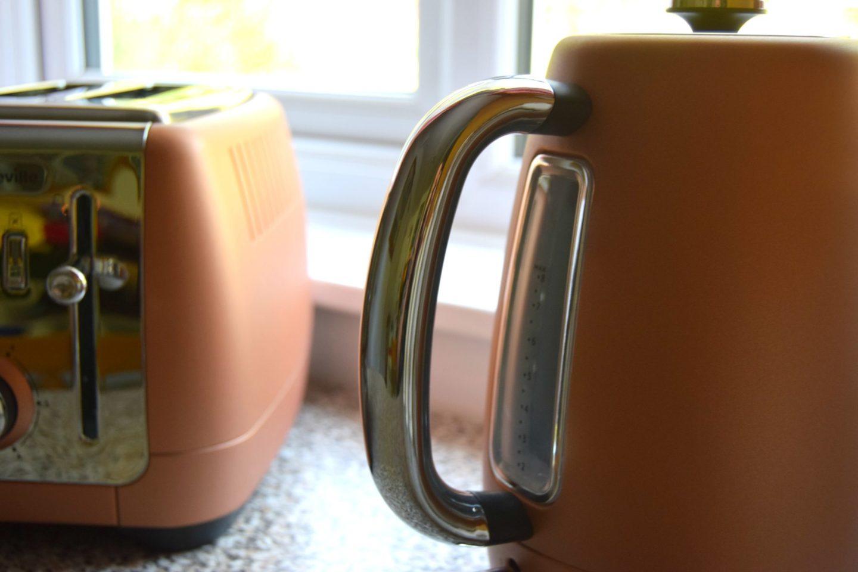 breville strata luminere rose gold kettle and toaster. Black Bedroom Furniture Sets. Home Design Ideas