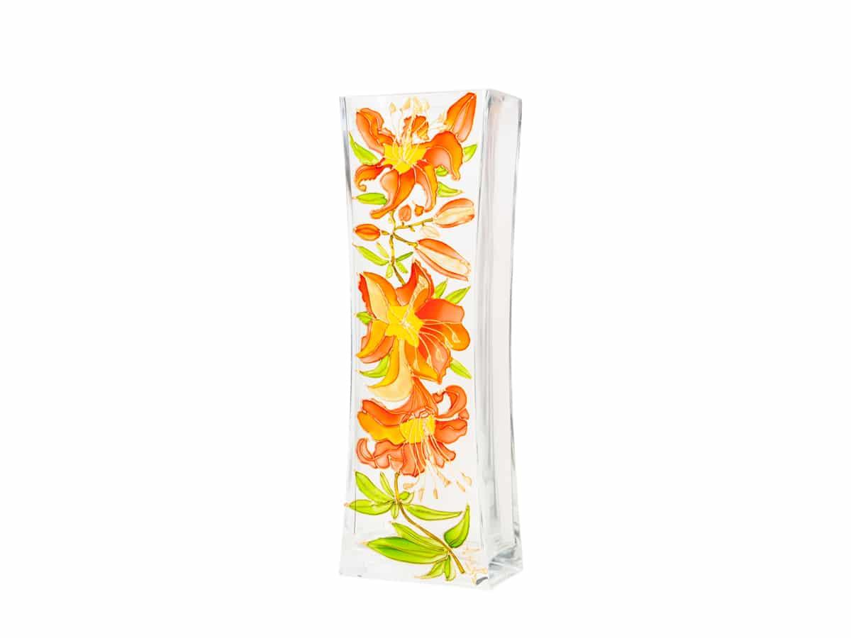 Vaza cu crini portocalii
