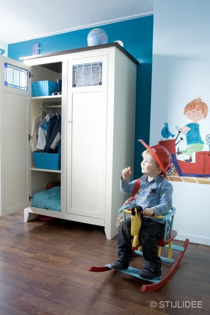 kast met glas in lood op kinderkamer na STIJLIDEE Interieuradvies en Styling