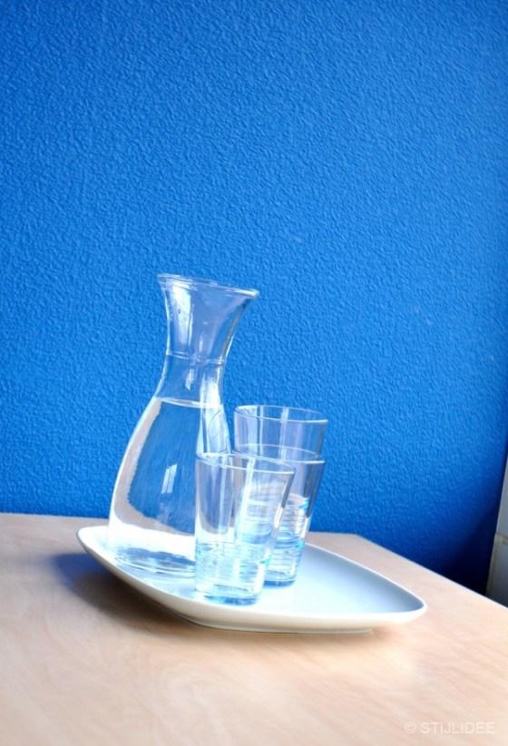 styling karaf met water en waterglazen in Capelle na STIJLIDEE Kleuradvies, Interieuradvies en Styling