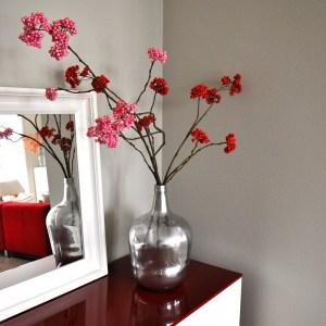 Binnenkijken in … een appartement in moderne design stijl met warmrode en taupe kleuren in Maarssen na STIJLIDEE Interieuradvies en Styling