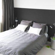Binnenkijken in ... een moderne design slaapkamer met zwart en wit in Huizen na STIJLIDEE Interieuradvies en Styling