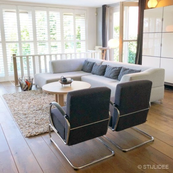 Binnenkijken in ... een woonkamer in moderne design stijl in een jaren 30 huis in Amstelveen na STIJLIDEE Interieuradvies en Styling