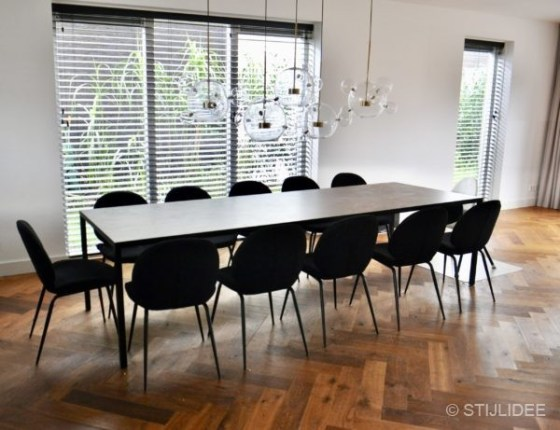 Binnenkijken in ... een woonkamer in moderne design stijl in Diemen na STIJLIDEE Interieuradvies en Styling