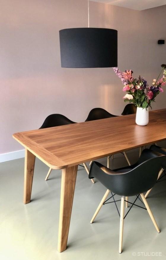 Binnenkijken in ... een moderne design eetkamer in een jaren 70 woning in Den Bosch na STIJLIDEE Stijladvies