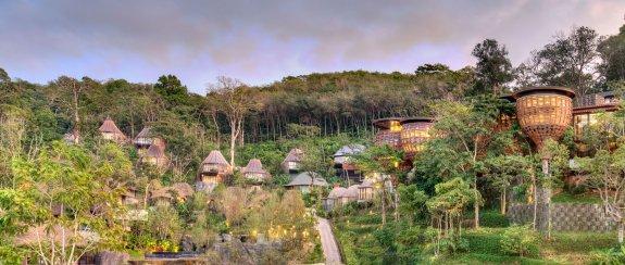 Keemala resort overview treehouses- boomhutten