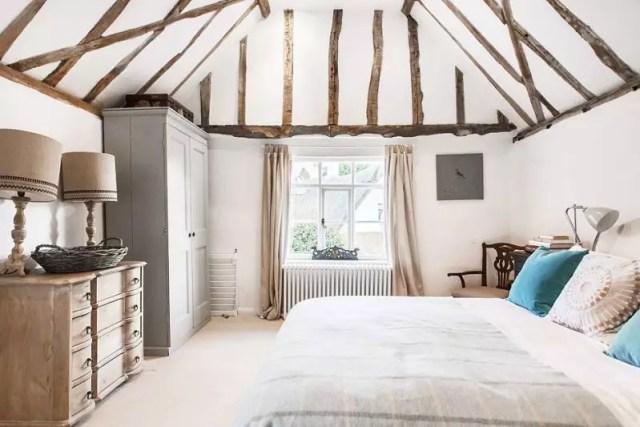 Binnenkijken | Engelse cottage #landelijk #wonen - www.stijlvolstyling.com #Woonblog