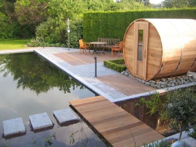 Buitenleven | Maak kennis met de charmante barrel sauna - www.stijlvolstyling.com #woonblog