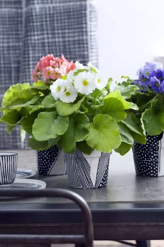 DIY bloempot bekleden met stof - www.stijlvolstyling.com #diyblog #woonblog