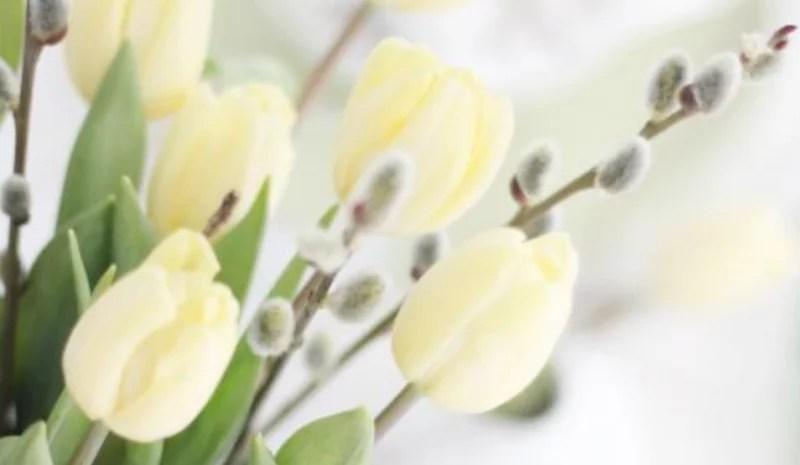 Groen wonen | Paas decoratie met bloemen