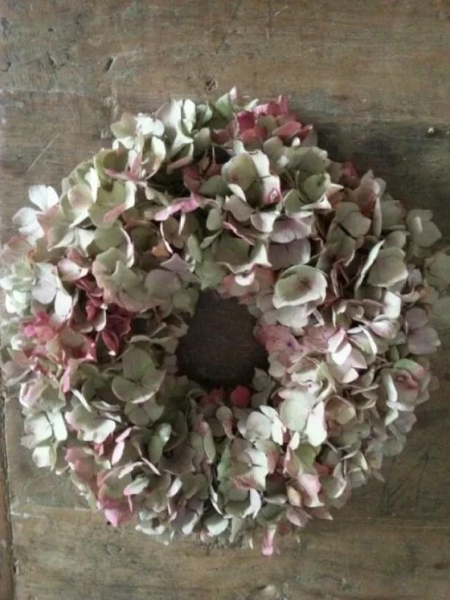 Wonen & Seizoenen | Hortensia krans inspiratie - Stijlvol Styling woonblog www.stijlvolstyling.com