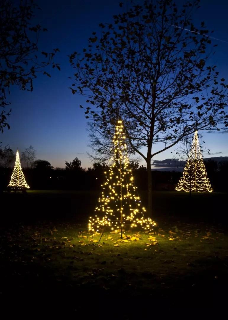 tuin inspiratie de mooiste kerstverlichting voor tuin of
